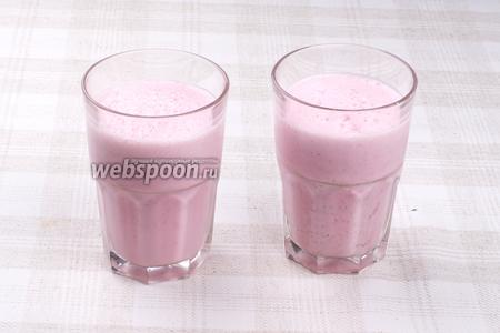 Из указанной порции получается 2 стакана по 350 мл.