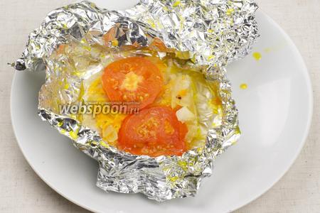 Запекать в разогретой до 180 °С духовке 25 минут. Подавать с овощами или отварным картофелем.