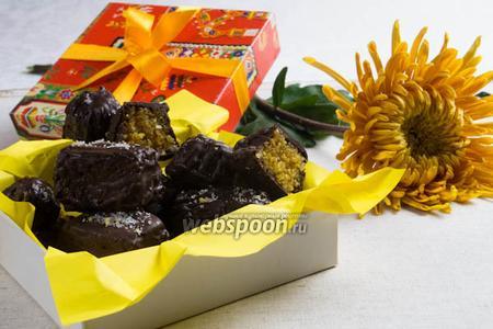 Шоколадные конфеты с миндально-апельсиновой начинкой
