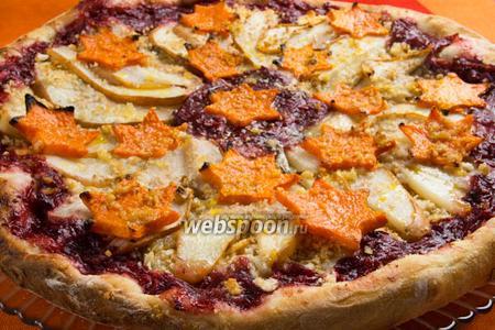 Пицца с грушей и сыром Горгонзолла