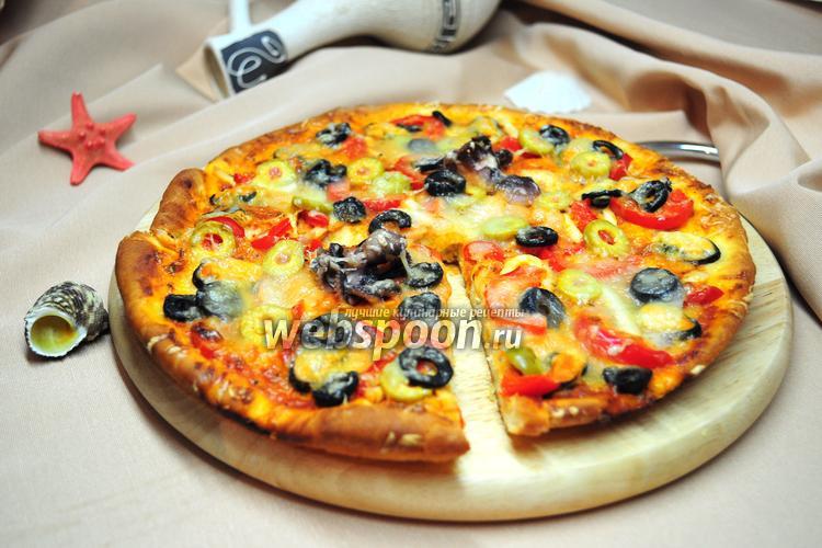 Фото Пицца с морским коктейлем