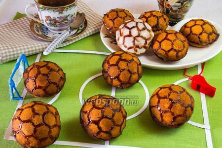 Печенье «Мячи Евро 2012» с заварным кремом