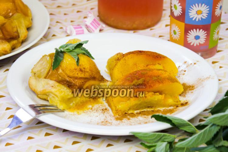 Фото Слоёный пирог с персиками
