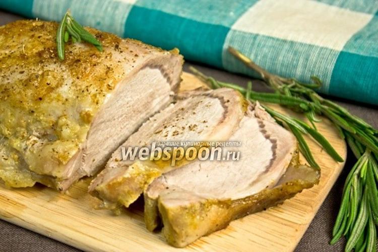 Фото Запечённая свинина в яблоках и розмарине