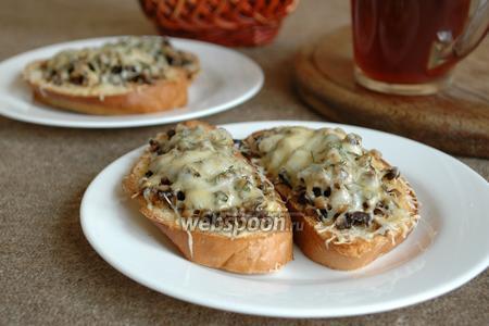 Гренки с грибами и сыром