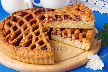 Дрожжевой пирог с черничным вареньем