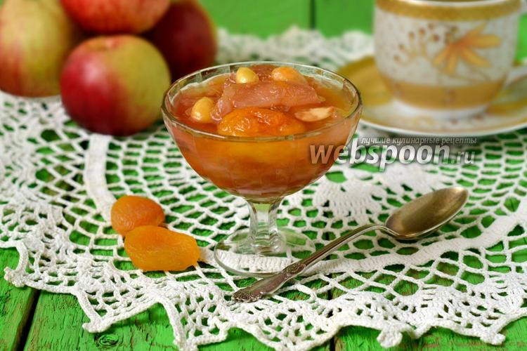 Фото Яблочное варенье с курагой и миндалём