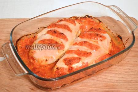 Ставим форму для запекания в духовку и выпекаем примерно минут 20, при температуре 200°C. Главное, не пересушить. Блюдо готово - приятного аппетита!
