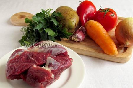 Для приготовления каурдака  нужны такие продукты: мясо говядины, лук, чеснок, морковь, помидоры, перец, масло растительное, зелень.