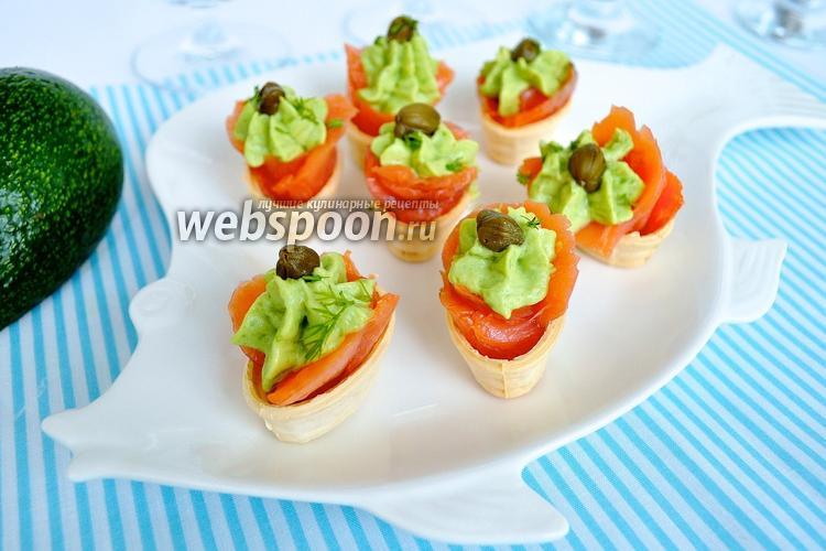 Фото Тарталетки с сёмгой и авокадо