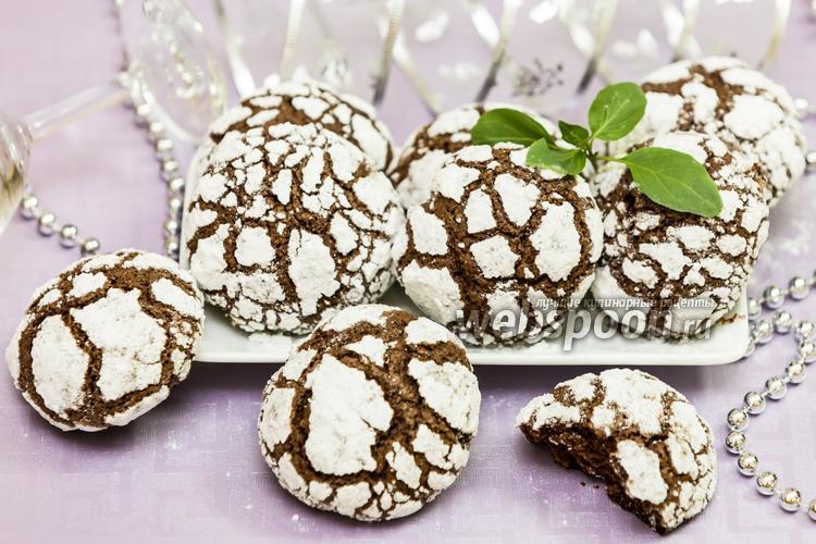 Фото Шоколадное печенье с мятой