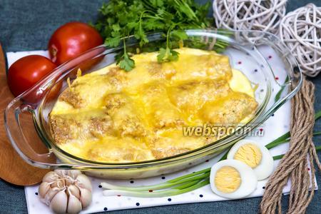 Блинчики с луком и яйцом под сливочной заливкой