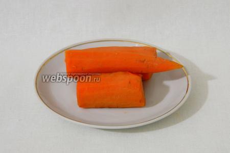 Так же, отвариваем до готовности морковь.