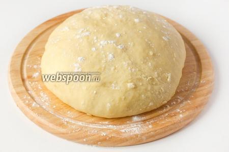 Вновь слегка обминаем его и можно приступать к формовке и выпечке пирожков с любой начинкой по вашему вкусу!