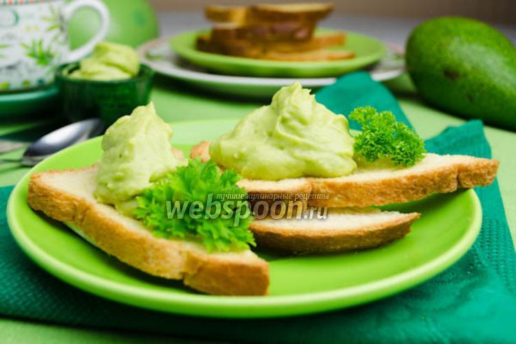 Фото Гренки с авокадо