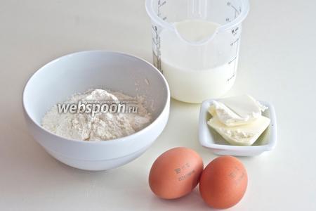Для приготовления креспелле вам понадобятся мука, молоко, яйца и соль.