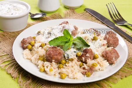 Рис с фрикадельками