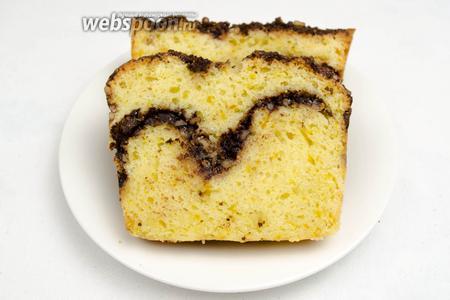 Нарезать порционно. Подавать кекс к чаю, на десерт.