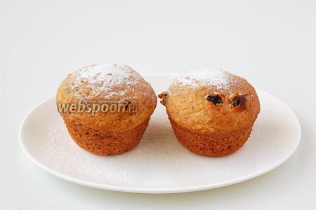 Перед подачей посыпать кексы сахарной пудрой.