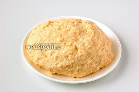 Тесто выходит мягким и эластичным.Такое тесто можно использовать для изготовления сладких или солёных изделий.