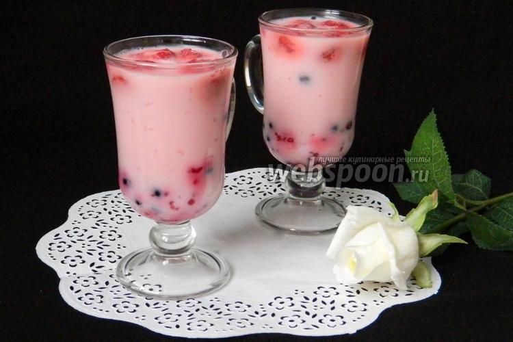 Фото Йогуртовое желе с ягодами