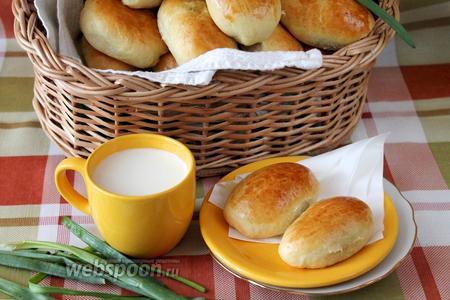 Пирожки с яйцом и луком печёные