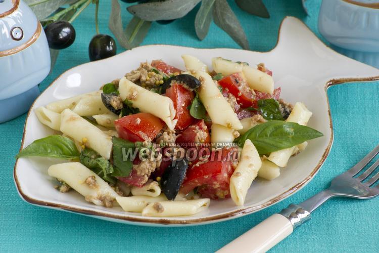 Рецепт Салат с тунцом и помидорами