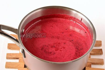 Нагреть смесь до температуры 60-70 ºC,помешивая, чтобы полностью растворился сахар.