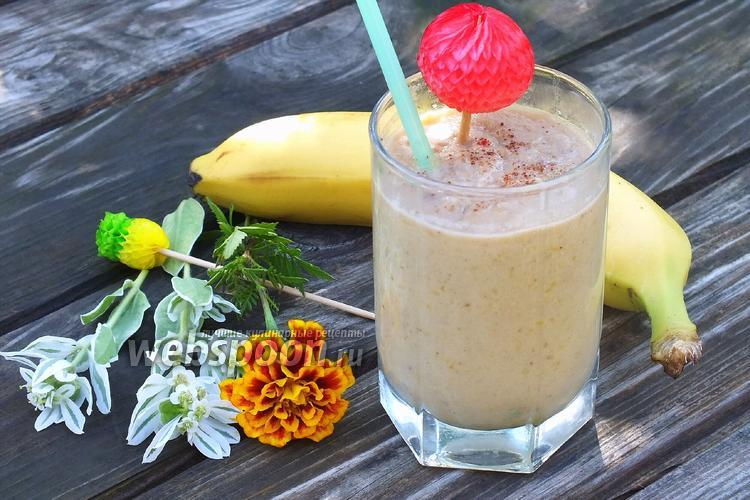 Фото Тёплый коктейль с бананами и нектаринами