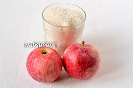 Для приготовления стружки по-словацки нам понадобится сахар и яблоки.
