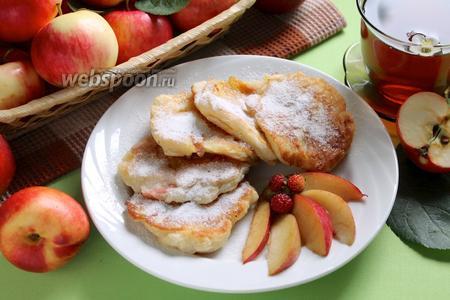 Оладьи с фруктами