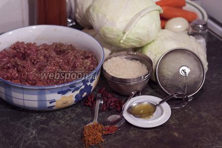 Наш фарш готов. Теперь нужно заняться остальными ингредиентами. Подготовим рис, капусту.