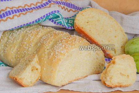 Кабачковый хлеб с чесноком и кунжутом