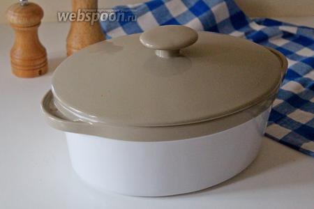 Накрыть крышкой (или фольгой) и поставить в заранее разогретую духовку до 170°С на 1 час.