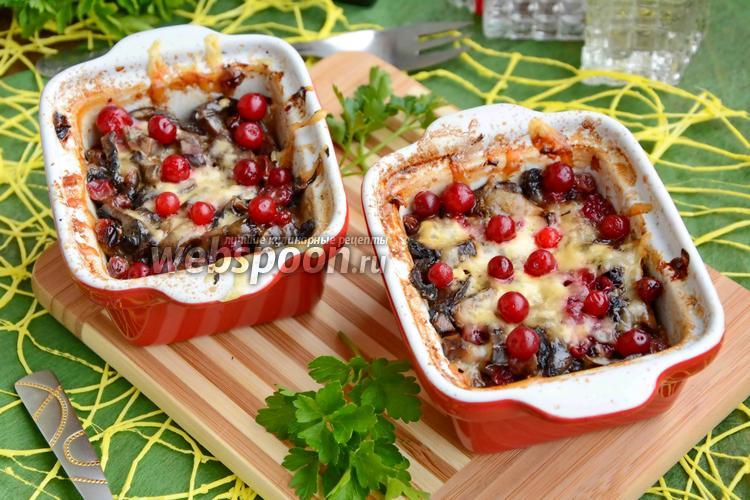 Рецепт Куриная грудка с брусникой в духовке