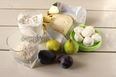 Для приготовления песочных корзиночек с инжиром потребуется мука пшеничная, овсяные хлопья, масло или маргарин, сыр и инжир.