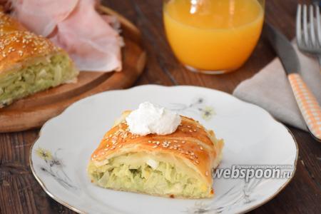 Пирог с капустой из слоёного теста
