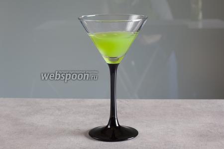 Заполните этой мерзостной жидкостью ваши любимые бокалы приблизительно на 1/3.