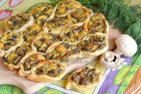 Пирог с грибами и сыром «Соты»