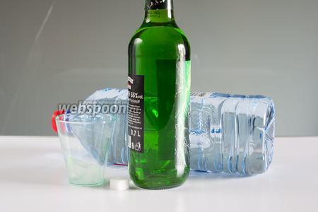 Соотношение абсента к воде для французского варианта этого коктейля составляет от 1:3 до 1:5. Вода должна быть либо охлаждена заранее, либо она охлаждается льдом. Кроме льда и воды нам потребуется ещё кусочек сахара.