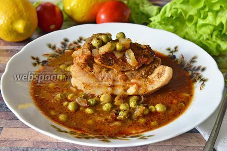 Мясо в горшочках в калиновом соусе