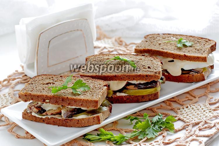 Рецепт Бутерброды со шпротами на ржаном хлебе