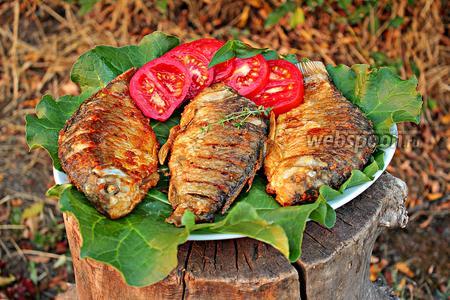 Жаренные караси с луком и тимьяном