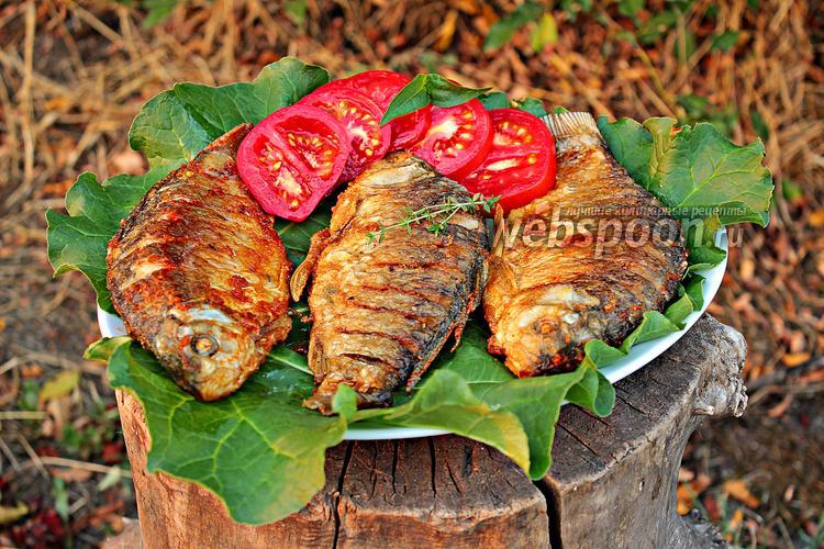 Рецепт Жаренные караси с луком и тимьяном