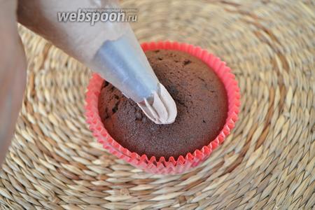 Крем отлично подойдёт для оформления пирожных.