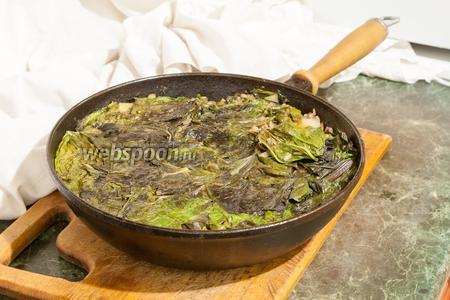 Доводим наше блюдо до готовности (нужной мягкости риса и мангольда). Можно подавать со сметаной. Приятных гастрономических впечатлений!
