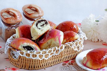 Пирожки с маком в глазури