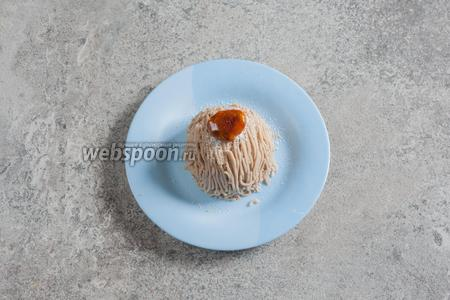 В качестве декора можно использовать и глазированный каштан, отдельно от сахарной пудры, и то, и другое вместе.