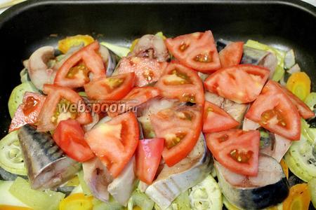 Выложить дольки помидора и поставить в духовку на 15 минут.