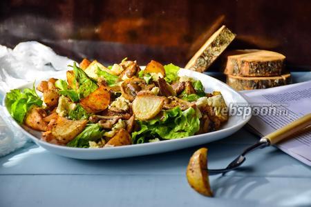 Картофельный салат с беконом и голубым сыром